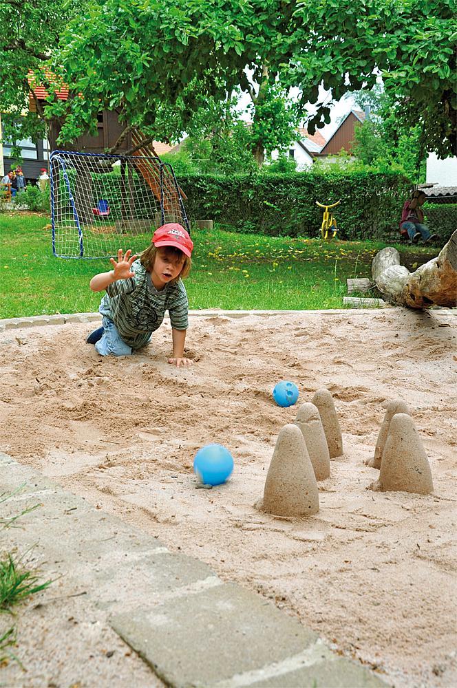 Sand-Bowling-Set