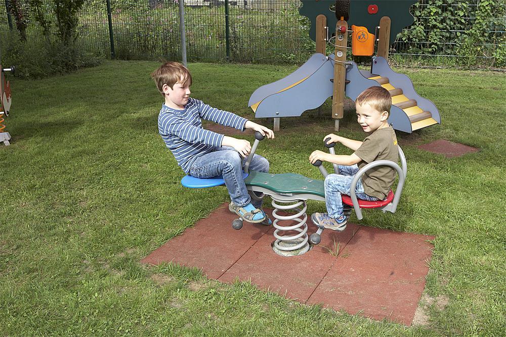 Doppelfederwippe Grashüpfer