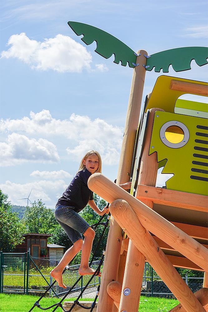 Spielanlage Geländewagen
